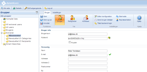 You can mark all extranet users in the user management module as e-mail recipients